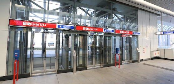Die Wiener Linien investierten 2,2 Mio. Euro in die Erneuerung der Liftanlagen in den U-Bahnstationen. Damit sollen die Sicherheit und der Komfort für die Fahrgäste verbessert werden.
