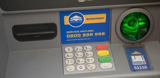 Die Firma Euronet hat im Vorjahr mit der Einführung einer Bankomatgebühr (knapp 2 Euro) für Aufregung gesorgt.