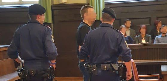 Prozess gegen einen 39-Jährigen wegen des Verbrechens nach dem Verbotsgesetz am Gericht St. Pölten.