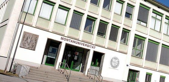 Die Montanuniversität Leoben schließt die Burschenschaft Leder von allen akademischen Feierlichkeiten aus.