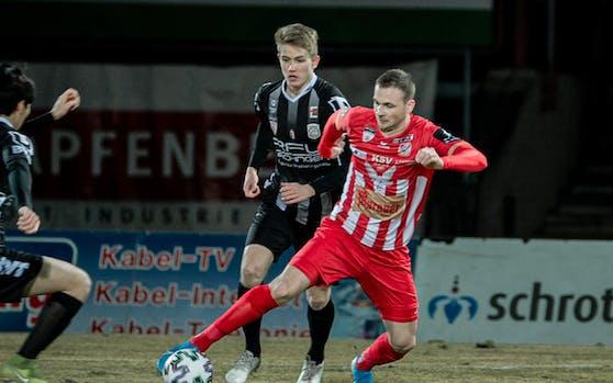 Leo Mikic (Kapfenberg) gegen Jan Boller (Juniors OÖ).