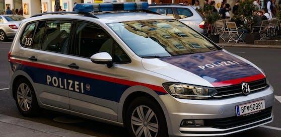 Angestellte der Hausverwaltung entdeckten in einer Wohnung in Innsbruck eine stark verweste Leiche (Symbolbild).
