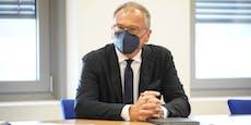 ORF-Star Wolf vor Gericht, er schlägt Hände vors Gesicht