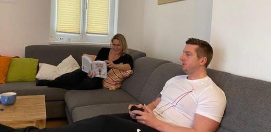 Daniel und Birgit Schlerith sind zu Hause in Quarantäne.
