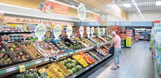 Penny-Markt in Wiener Neudorf (Archivfoto). Supermärkte sollen nun um 19 Uhr zusperren.