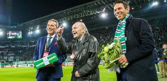 Alfred Körner im Februar 2019 mit Ex-Präsident Michael Krammer und Rapid-Geschäftsführer Christoph Peschek.