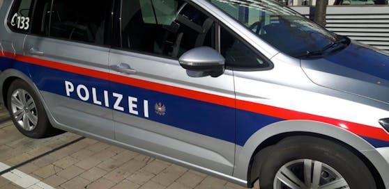Home Invasion im Bezirk Gänserndorf: Mindestens fünf Täter raubten ein Ehepaar in Orth aus.