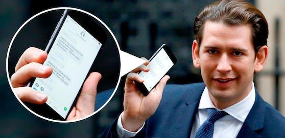 Kanzler Kurz zeigte ( wohl eher unfreiwillig) seine Handy-Nachrichten vor einen Pressefotografen.