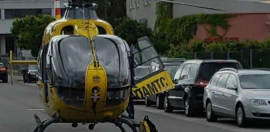 2-Jähriger wurde mit dem Hubschrauber in ein Spital gebracht. (Symbolbild)
