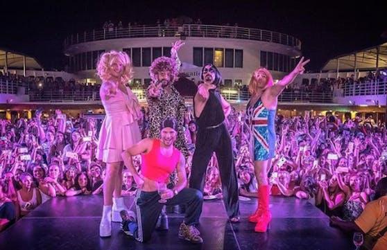 09.05.2018: Hut ab, High Heels an: Die Backstreet Boys zelebrieren Girlpower und schlüpfen in die Kostüme der Spice Girls. Besser geht's nicht