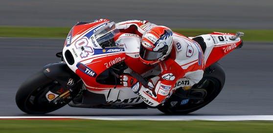 Ducati-Pilot Andrea Dovizioso rast in Mugello zum Sieg.