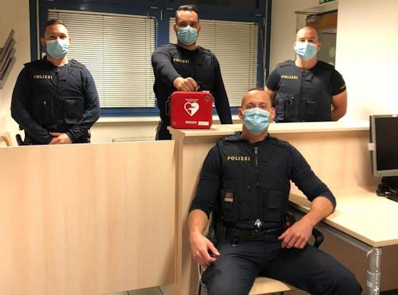 Inspektor Martin R. (vorne) und seine Kollegen (v.l.n.r.), die Revierinspektoren Patrick G., Sascha F und Ken P.