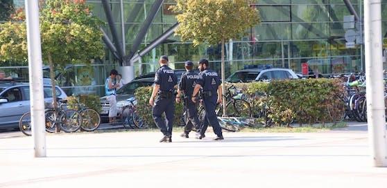 Tatort Linzer Hauptbahnhof: Die Polizei nahm die Verdächtigen fest.