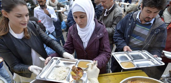 Vor allem bei Integrationsmaßnahmen und Mindestsicherung für Asylwerber und anerkannte Flüchtlinge wollen ÖVP und FPÖ sparen.