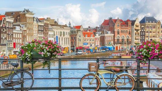 8 von 10 Niederländern sind geimpft. Ein guter Grund, die Corona-Regeln ganz abzuschaffen.