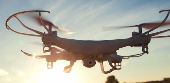 Bei der Fahndung kam auch eine Drohne zum Einsatz. (Symbolfoto)