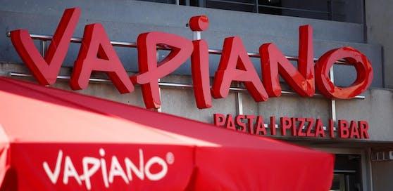 Die Corona-Krise hat die ohnehin angeschlagene Restaurantkette Vapiano in die Insolvenz getrieben.