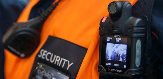 Aufgrund der positiven Erfahrungen der ÖBB kommen die Bodycams nun auch im Öffi-Netz zum Einsatz.