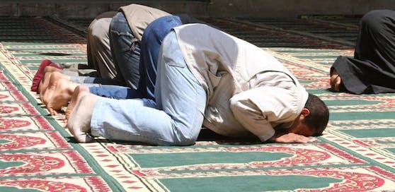 In Oberösterreich lässt die Regierung zwei Moscheen zusperren.