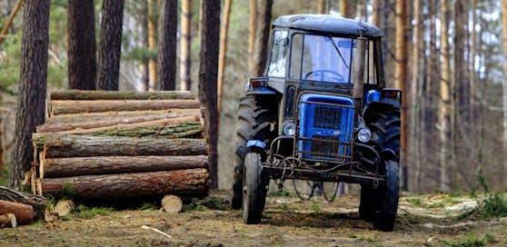 Nach dem Traktorunglück kam für den 60-Jährigen aus dem Bezirk Deutschlandsberg jede Hilfe zu spät.