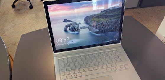 Das Surface Book mit Performance Base.