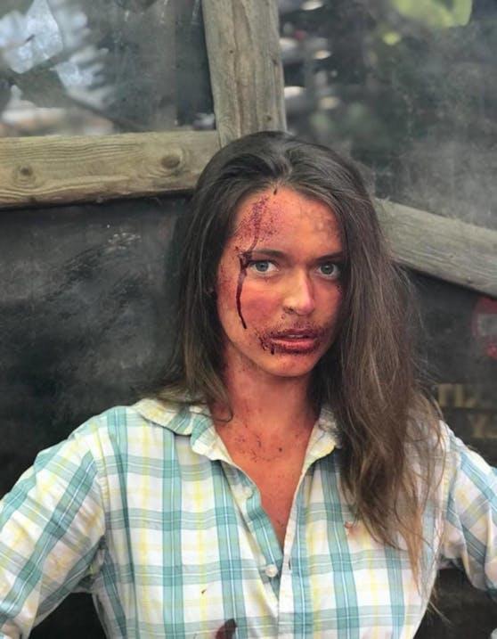 """Roxanne Rapp im neuen Stück """" Dead Creek Woods"""""""