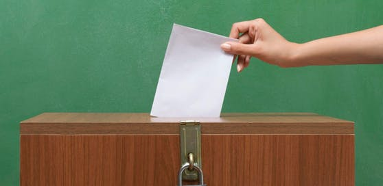 Symbolbild einer Wahlurne.