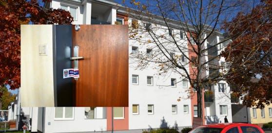 Hier in der Triesterstraße passierte die Bluttat; versiegelte Tür der Wohnung des Mordopfers.