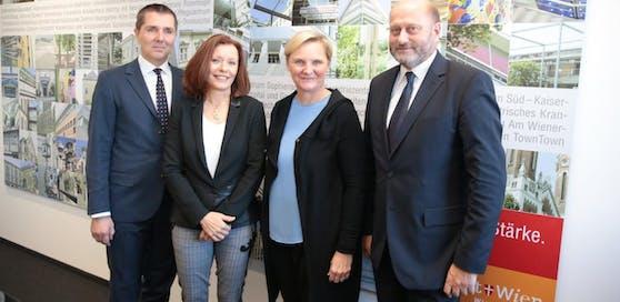 Das neue KAV-Führungstrio Michael Binder (links), Evelyn Kölldorfer-Leitgeb (2. von links) und Herwig Wetzlinger (rechts) mit Stadträtin Sandra Frauenberger (2. von rechts).