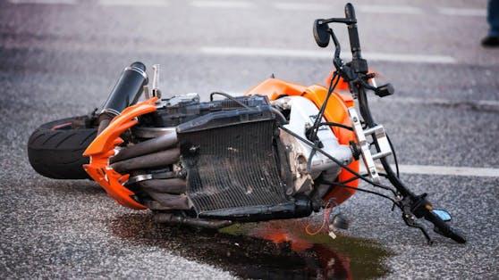 Der Biker erlitt bei dem Unfall tödliche Verletzungen.
