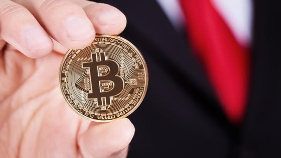 Erstmals seit Mai kletterte der Bitcoin-Kurs über 55.000 US-Dollar.