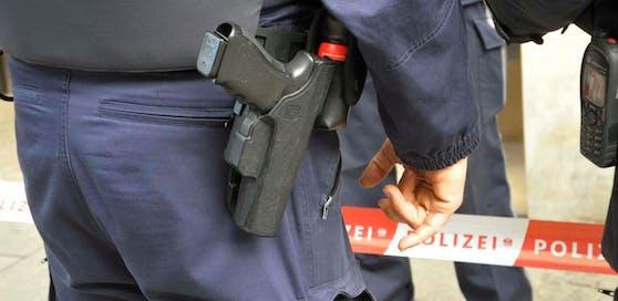 Mit zwei Tricks versuchen Betrüger, ihre Opfer zu täuschen, warnt die Wiener Polizei.