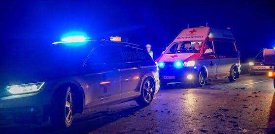 Polizei und Rettung waren am Unfallort.
