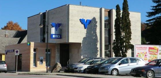 Mit 9. Juni sperrt die Volksbank in Pressbaum.