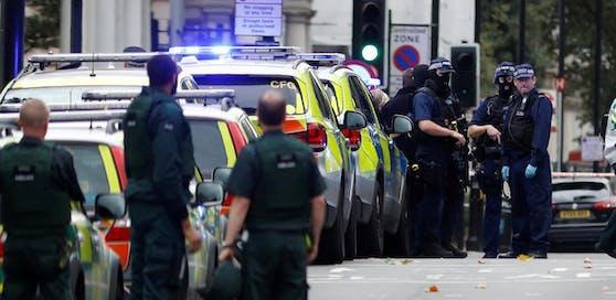 Die Polizei geht von einem absichtlichen Angriff aus.