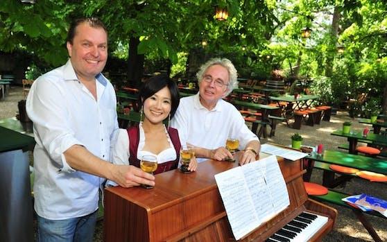 Am Klavier assistierte Wienerlied-Legende Fritz Brucker (r.)