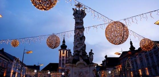 St. Pölten wird Filmkulisse: Das weihnachtliche Ambiente bleibt noch bis Februar.