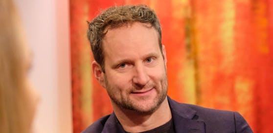 """Matthias Strolz zu Gast bei """"STÖCKL"""" am 06.12.2018 auf ORF2. - 23:05 UHR. Foto: ORF/Hans Leitner."""