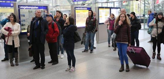 Die Reisenden mussten bis zu zwei Stunden Verspätung in Kauf nehmen.