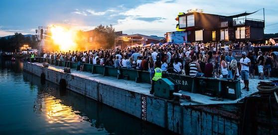 Am Linzer Hafen ist wieder Party angesagt ? bei den Bubbledays von Freitag 7.bis Samstag 8. Juni.