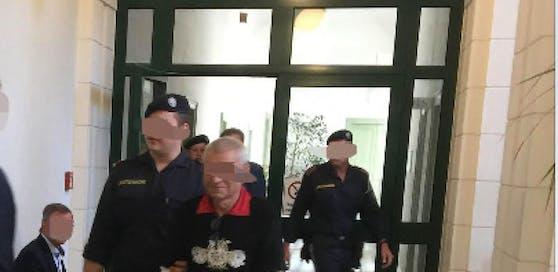 Der 59-jährige Einbrecher vor Gericht.
