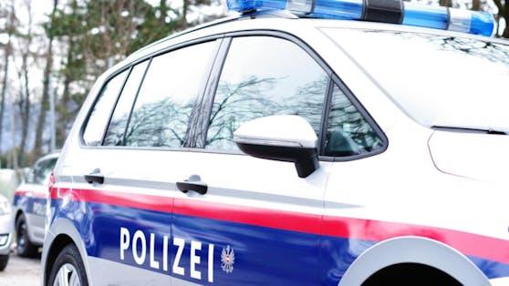 Ein 56-Jähriger versuchte am Freitag in Wien-Rudolfsheim-Fünfhauseine Supermarkt-Kassiererin abzuzocken. Doch diese witterte den Betrug und rief die Polizei.