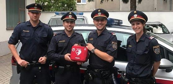 Die Inspektoren Sebastian T., Thomas B., Paul S. und Nora J. (v.l.) konnten das Leben eines Mannes retten.