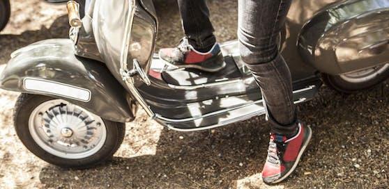 Bei der Mopedfahrt kam es zum Übergriff.