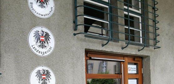 Die verdächtige Rumänin wurde bei der Staatsanwaltschaft Krems angezeigt.