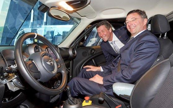 Infrastrukturminister Jörg Leichtfried und Horst Bischof, Vizerektor für Forschung der TU Graz