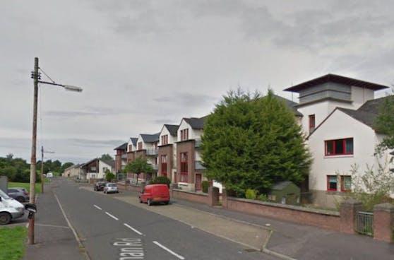 Der Vorfall ereignete sich in der Stravanan Road in Castlemilk südlich von Glasgow.
