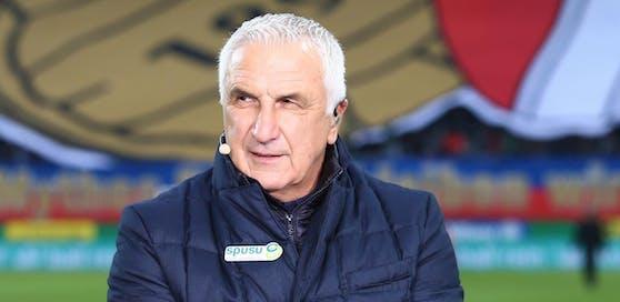Hans Krankl in seiner Rolle als Sky-Experte im Allianz-Stadion von Rapid. Derzeit pausiert die Bundesliga mindestens bis Mai.