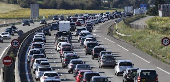Am Wochenende kommt es in Österreich zu massiven Staus und Verkehrsverzögerungen. (Symbolbild)