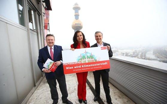 Wiener SPÖ will den Turbo fürs Klima zünden (v.l.n.r.: Stadtchef Michael Ludwig, Umweltstadträtin Ulli Sima und Klubchef Josef Taucher)